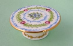 Porcelain Cake Stand 1