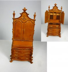 Frenazie Secretary, Walnut