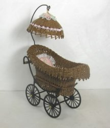 Wicker Baby Carriage with Umbrella