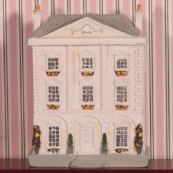 Mini Resin Queen Anne's Dollhouse