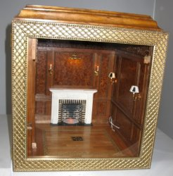 Lighted Burl Library Roombox
