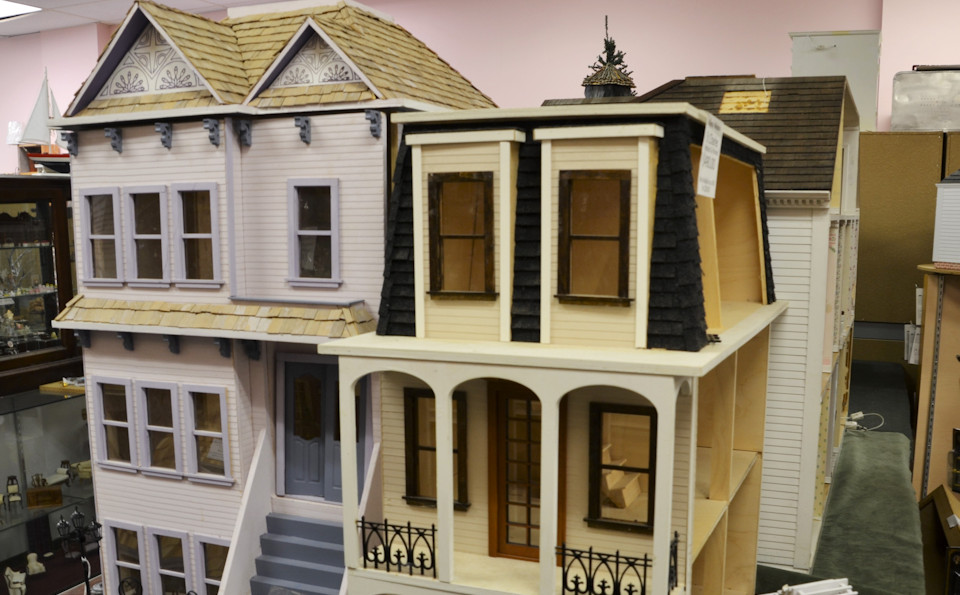 Miniature Cellar Dollhouse Miniatures in Ohio, For Collectors of